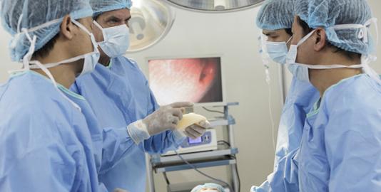 Vòng 1 như ý với phẫu thuật nâng ngực nội soi công nghệ Mỹ 2