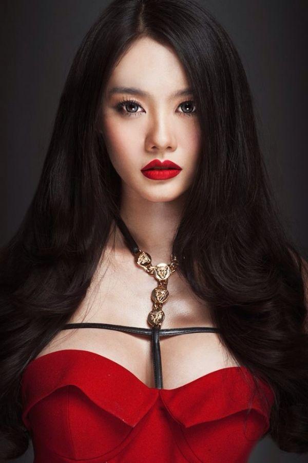 """Phụ nữ Á Đông và khuôn ngực """"vạn người mê"""" 2"""