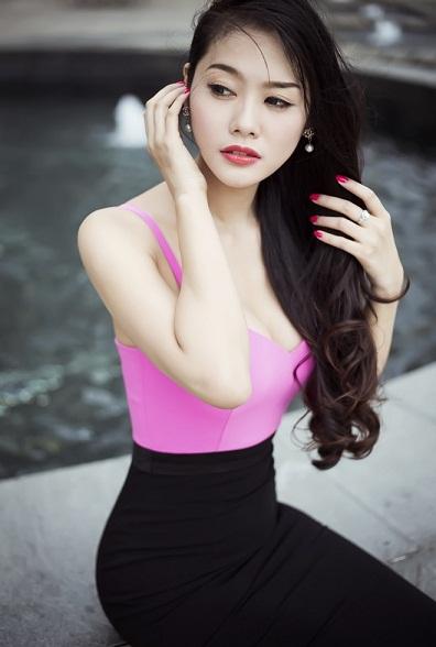 Sau nâng ngực, Á hậu Linh Chi ngày càng gợi cảm và cuốn hút 2